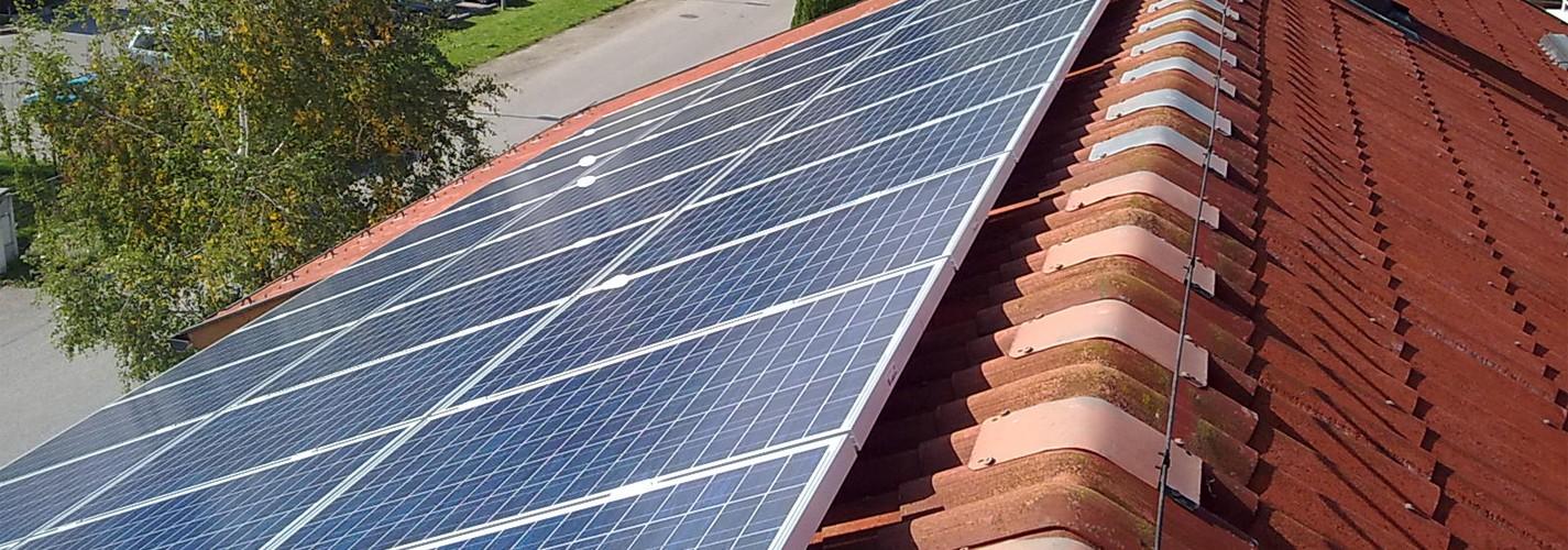 PV anlage 7KWp auf Dach Montage - auf einem Betriebs und Wohngebäude