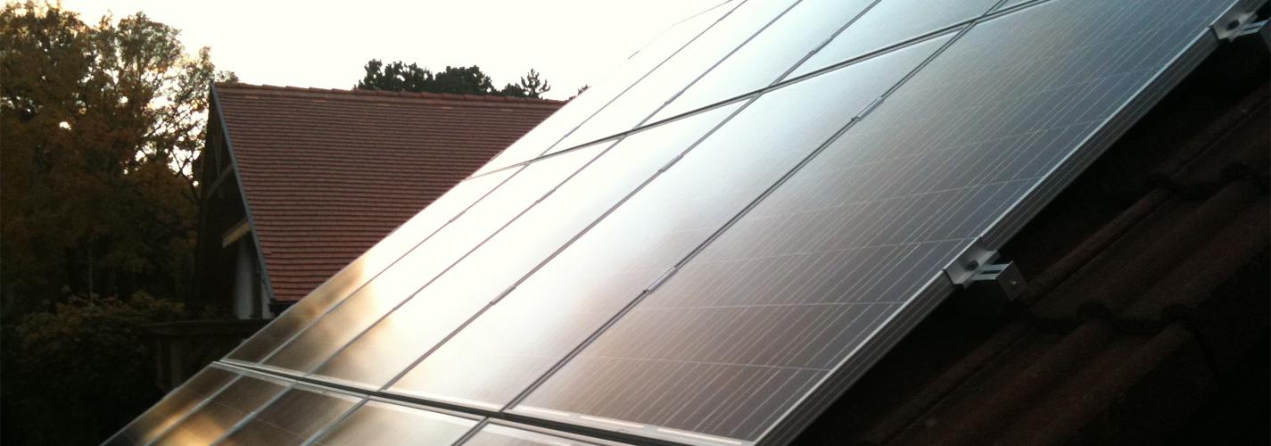 Fotovoltaikanlage auf Dach _ 2011